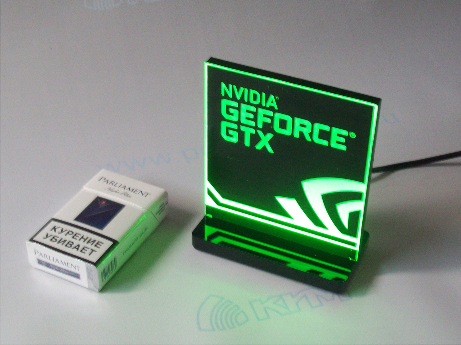 Световой знак GEFORCE